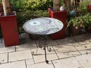 artisanat dart autres gueridon mosaique mobilier exterieur nuances de gris et v : Guéridon à ronds (VENDU)