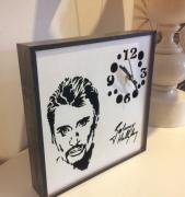 deco design personnages pendule decorative : Pendule Johnny Hallyday