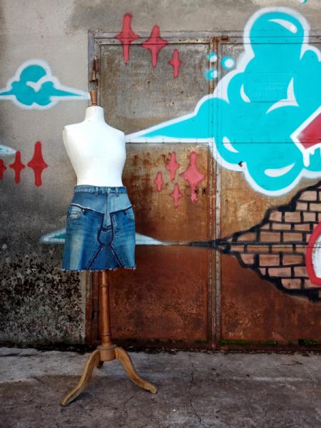 ART TEXTILE, MODE jupe jupe jeans jupe denim jupe courte  - Jupe courte PATCHWORK BLUE JEANS