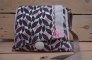 art textile mode fait en france modele unique motif feuille gris et rose : sac à main forme traèze