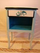 deco design autres table de nuit bleue arabesque decoration : table de nuit bleue