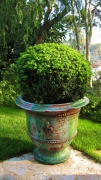 artisanat dart atelier jeanjacques vase de saintjean d planterscontactpro : GRAND VASE CLASSIQUE FLEUR DE LYS POLYCHROME