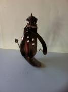 artisanat dart abstrait sculpture vieux outils pont saint esprit france : Le corbeau skieur