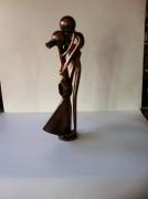 sculpture personnages sculpture vieux outils pont saint esprit france : Couple d'amoureux