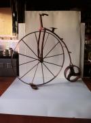 sculpture abstrait sculpture vieux outils pont saint esprit france : La drésienne