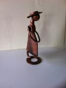 crafts personnages sculpture vieux outils pont saint esprit france : La création