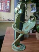 sculpture personnages pont saint esprit gard sculpure metal : la mère et l'enfant