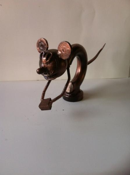 ARTISANAT D'ART sculpture vieux outils pont saint esprit france Animaux  - Mike