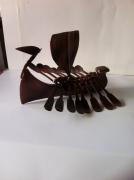 sculpture marine sculpture vieux outils pont saint esprit france : Le drakkar
