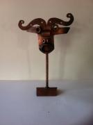 crafts personnages sculpture vieux outils pont saint esprit france : Le minotaure