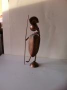 sculpture personnages sculpture vieux outils pont saint esprit france : Guerrier perce