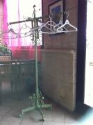 artisanat dart abstrait sculptures pont saint esprit gard france : le porte manteaux