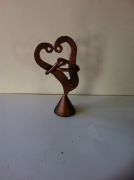 sculpture abstrait sculpture vieux outils pont saint esprit france : La saint valantin