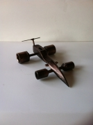 sculpture sport sculpture vieux outils pont saint esprit france : F1 douilles