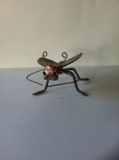 crafts animaux sculpture vieux outils pont saint esprit france : La mouche