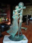 sculpture personnages pont saint esprit gard sculpure metal : le couple