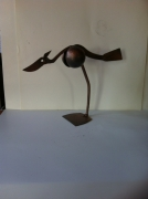 sculpture animaux sculpture vieux outils pont saint esprit france : Le héron boule