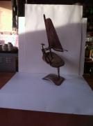 sculpture sport sculpture vieux outils pont saint esprit france : Le viliplangiste