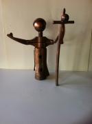 crafts personnages sculpture vieux outils pont saint esprit france : Le pape