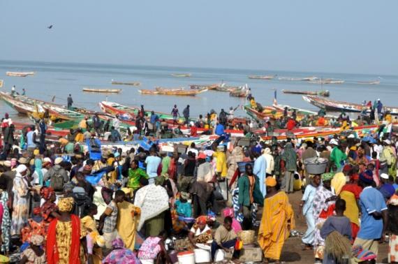 PHOTO pêche marché Scène de genre  - retour de pêche