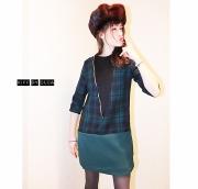 """art textile mode abstrait amusant petillant createur original : La robe tunique """"IZOKIFF"""" en tartan vert et noir à pla"""