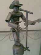sculpture personnages guitariste acier chanteur oise : le guitariste chanteur