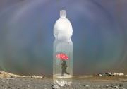 art numerique autres bouteille homme pa : L'homme dans sa bouteille