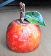 sculpture fruits sculpture pomme papier mache original : La pomme