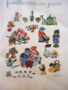 art textile mode animaux broderie ours jardin point compte : Broderie Famille ours au jardin