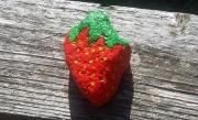 artisanat dart fruits fraise fruit tagada cailloux : Fraise Tagada