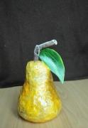 sculpture fruits poire sculpture papier mache original : sculpture la poire