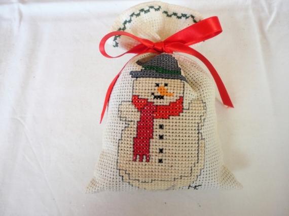 ART TEXTILE, MODE bonhomme de neige point de croix noël décoration Personnages  - Déco de Noël