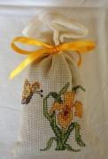 art textile mode fleurs sac ,a lavande fleurs broderie papillon : Sac à lavande fleur et papillon
