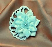 """art textile mode fleurs dentelle decoration cheveux cadeaux : Épingle à cheveux """"Colette"""""""