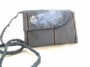 art textile mode : Pochette prestige plume bleu