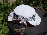 chapeau 2 ans
