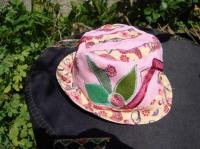 chapeau 1 an