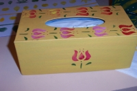 Boîte décorée au pochoir