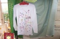 Tee-shirt décoré au pochoir