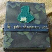 autres personnages chaperon vert tableau dans livre couture reliure : CHAPERON VERT