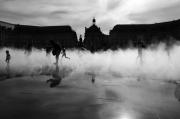 photo scene de genre bordeaux brumisation reflet gerard vouillon : Jeux d'eau
