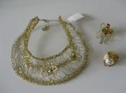 bijoux : collier doré