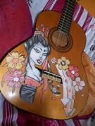tableau personnages guitare geisha portrait graffiti : Geisha sur guitare