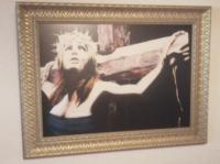 femme crucifiée