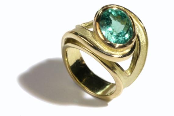 BIJOUX emeraude emerald gold wedding Abstrait  - Bague tornade émeraude