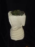 sculpture abstrait : pot en pierre