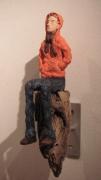 sculpture personnages jeune orange : Le Jeune à La Capuche