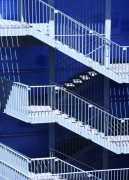 photo architecture escalier bleu by cat : l'escalier bleu de la coulée verte