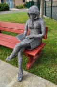 sculpture personnages liseuse fil d acier decoration jardin : LISEUSE