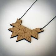 """bijoux abstrait collier bois triangle artisanal : Collier en bois """"Triangle à 8 pointes"""""""